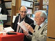 """Author photo. David Collin et JB Pontalis, Librairie Gallimard, Paris, avril 2012. Lecture croisée de Les Cercles mémoriaux (Escampette) et de Avant (Gallimard). By Thomasov - Own work, CC BY-SA 3.0, <a href=""""https://commons.wikimedia.org/w/index.php?curid=23912253"""" rel=""""nofollow"""" target=""""_top"""">https://commons.wikimedia.org/w/index.php?curid=23912253</a>"""