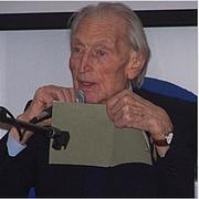 "Kirjailijan kuva. <a href=""https://it.wikipedia.org/wiki/Dante_Isella#/media/File:Dante-Isella.jpg"" rel=""nofollow"" target=""_top"">https://it.wikipedia.org/wiki/Dante_Isella#/media/File:Dante-Isella.jpg</a>"
