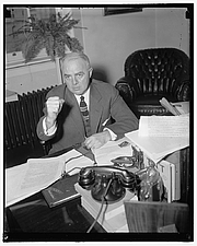 Author photo. Library of Congress Prints and Photographs Division, Harris & Ewing Collection (REPRODUCTION NUMBER:  LC-DIG-hec-25932)