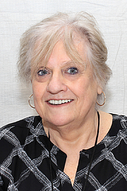 """Foto de l'autor. Author Karen Cushman at the 2016 Texas Book Festival. By Larry D. Moore, CC BY-SA 4.0, <a href=""""https://commons.wikimedia.org/w/index.php?curid=53330002"""" rel=""""nofollow"""" target=""""_top"""">https://commons.wikimedia.org/w/index.php?curid=53330002</a>"""