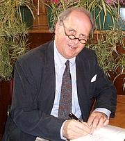 Författarporträtt. Alexander McCall Smith, Hobart 25 August 2008