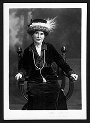 Author photo. Title Willa Cather ca. 1912 wearing necklace from Sarah Orne Jewett Photographer/Studio/Creator Aime Dupont, New York