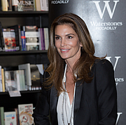 """Author photo. Cindy Crawford at the Becoming book signing at Waterstone's Piccadilly in London By Ibsan73 - <a href=""""https://www.flickr.com/photos/63465486@N07/21720243408/"""" rel=""""nofollow"""" target=""""_top"""">https://www.flickr.com/photos/63465486@N07/21720243408/</a>, CC BY-SA 2.0, <a href=""""https://commons.wikimedia.org/w/index.php?curid=43957519"""" rel=""""nofollow"""" target=""""_top"""">https://commons.wikimedia.org/w/index.php?curid=43957519</a>"""