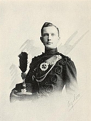 Author photo. Image from <b><i>On the right of the British line</i></b> (1917) by Gilbert Nobbs