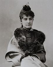 Author photo. Marie de Heredia, photographiée par Paul Nadar le 18 avril 1889.