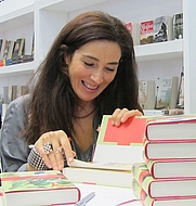 Author photo. <a href=&quot;https://commons.wikimedia.org/wiki/File:Cristina_L%C3%B3pez_Barrio_signeeraa_IMG_4330_C.JPG&quot; rel=&quot;nofollow&quot; target=&quot;_top&quot;>https://commons.wikimedia.org/wiki/File:Cristina_L%C3%B3pez_Barrio_signeeraa_IMG_4330_C.JPG</a>