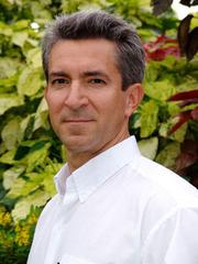 Author photo. guyharrison.info.com