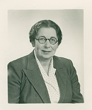 Author photo. Elisabeth de Waal, photographed in the late 1950s/60s.