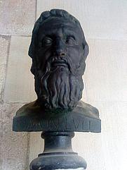 Author photo. Bust de Ramon Llull per Josep Clarà, al claustre de la Casa de Convalescència, seu de l'Institut d'Estudis Catalans.
