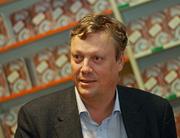 Author photo. Writer Jonas Jonasson autographs in Cologne - A.Savin