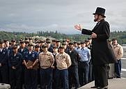 Author photo. Gene Griessman delivers the Gettysburg Address June 4, 2007, while portraying Abraham Lincoln before members of the crew on the flight deck of the USS Abraham Lincoln in Bremerton, WA. U.S. Navy photo by MC3 James R. Evans (defenseimagery.mil)