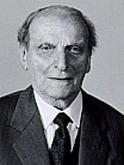 "Author photo. <a href=""http://it.wikipedia.org/wiki/File:Norberto_bobbio.jpg"" rel=""nofollow"" target=""_top"">http://it.wikipedia.org/wiki/File:Norberto_bobbio.jpg</a>"