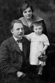 Author photo. M.R. DeHaan, young physician with family, c. 1917 By Unknown photographer - James R. Adair, M. R. DeHaan, the Man and His Ministry (Grand Rapids: Zondervan, 1969), 52, Public Domain, <a href=&quot;//commons.wikimedia.org/w/index.php?curid=27239065&quot; rel=&quot;nofollow&quot; target=&quot;_top&quot;>https://commons.wikimedia.org/w/index.php?curid=27239065</a>
