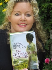 Author photo. Petra Durst-Benning