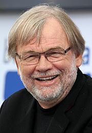 "Author photo. Jostein Gaarder Leipzig Book Fair 2017 By Heike Huslage-Koch - Own work, CC BY-SA 4.0, <a href=""https://commons.wikimedia.org/w/index.php?curid=63017169"" rel=""nofollow"" target=""_top"">https://commons.wikimedia.org/w/index.php?curid=63017169</a>"