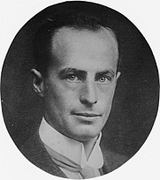 Author photo. Library of Congress Prints and Photographs Division, George Grantham Bain Collection (REPRODUCTION NUMBER:  LC-DIG-ggbain-21100) (cropped)