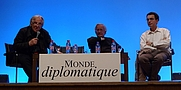 Author photo. Daniel Mermet, Noam Chomsky et Serge Halimi à Paris le 29 mai 2010 à l'initiative du Monde diplomatique. By DocteurCosmos - Own work, CC BY-SA 3.0, <a href=&quot;https://commons.wikimedia.org/w/index.php?curid=10492318&quot; rel=&quot;nofollow&quot; target=&quot;_top&quot;>https://commons.wikimedia.org/w/index.php?curid=10492318</a>