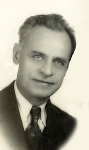 Author photo. By Sempre&amp;sempre - Own work, CC BY-SA 3.0, <a href=&quot;https://commons.wikimedia.org/w/index.php?curid=30277325&quot; rel=&quot;nofollow&quot; target=&quot;_top&quot;>https://commons.wikimedia.org/w/index.php?curid=30277325</a>