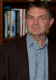 """Author photo. <a href=""""http://www.rodneybolt.com/"""" rel=""""nofollow"""" target=""""_top"""">www.rodneybolt.com/</a>"""