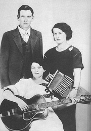 Author photo. By Victor Talking Machine Company - <a href=&quot;http://www.bluegrassmessengers.com/the-carter-family.aspx&quot; rel=&quot;nofollow&quot; target=&quot;_top&quot;>http://www.bluegrassmessengers.com/the-carter-family.aspx</a>, Public Domain
