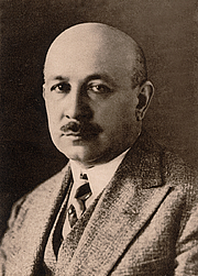 """Author photo. Kornel Makuszyński By Unknown photographer - scanned from: Kornel Makuszyński, Wiersze zebrane, F. Hoesick, Warsaw, Poland, 1931, Public Domain, <a href=""""https://commons.wikimedia.org/w/index.php?curid=10733023"""" rel=""""nofollow"""" target=""""_top"""">https://commons.wikimedia.org/w/index.php?curid=10733023</a>"""