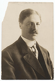 Author photo. Haeseler (Firm: Philadelphia, Pa.).  From the <a href=&quot;http://photography.si.edu/SearchImage.aspx?id=5458