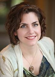 Author photo. Elise Stokes, author of the Cassidy Jones Adventures series