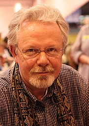Author photo. <a href=&quot;http://de.wikipedia.org/wiki/Peter_May_%28Schriftsteller%29&quot; rel=&quot;nofollow&quot; target=&quot;_top&quot;>http://de.wikipedia.org/wiki/Peter_May_%28Schriftsteller%29</a>
