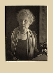 Author photo. Photo by Doris Ulmann: Library of Congress Prints and Photographs Division (REPRODUCTION NUMBER: LC-DIG-ppmsca-23916)