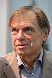 """Author photo. Der österreichische Journalist, Fernsehmoderator und Buchautor Gerhard Jelinek auf der Wiener Buchmesse 2018. By Bwag - Own work, CC BY-SA 4.0, <a href=""""https://commons.wikimedia.org/w/index.php?curid=74339155"""" rel=""""nofollow"""" target=""""_top"""">https://commons.wikimedia.org/w/index.php?curid=74339155</a>"""