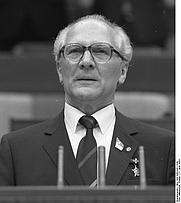 Author photo. <a href=&quot;http://www.bild.bundesarchiv.de&quot;>Bundesarchiv</a>, <a href=&quot;http://www.bild.bundesarchiv.de/archives/barchpic/search/_1240116103/?search%5Bform%5D%5BSIGNATUR%5D=Bild+183-1986-0421-044&quot;>Bild 183-1986-0421-044</a>, Fotograf: Mittelstädt, Rainer