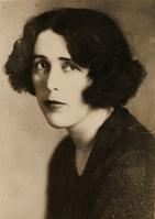Author photo. Louise Bryant (1885-1936) 1917 photograph (Louise Bryant Papers. Manuscripts & Archives, Yale University Library