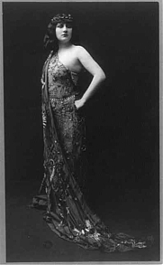 Author photo. In costume for operatic role, copyrighted by Mishkin, N.Y., 1909 (Library of Congress Prints and Photographs Division, LC-USZ62-55585)