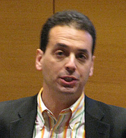 Author photo. Daniel Pink. Photo by Mathieu Plourde.