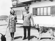 """Author photo. Obersalzberg- Adolf Hitler und Eva Braun mit Hunden (Schäferhund """"Blondi""""?) auf dem Berghof"""