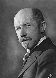 Author photo. Johan Bojer (1927)<br>Photo: Johan Beer Wilse (1865-1949)