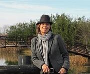 Author photo. rochellestrauss.com