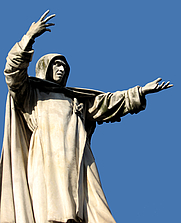 Author photo. Savonarola monument, Ferrara. Photo by Flickr user ho visto nina volare.