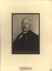Author photo. Photographer unknown.  From the <a href=&quot;http://photography.si.edu/SearchImage.aspx?t=5&id=3474&q=SIL14-A7-07&quot;>Smithsonian Institution, Dibner Library of the History of Science and Technology</a>.
