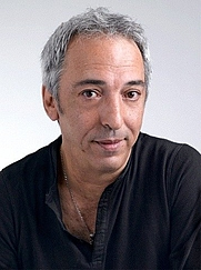Author photo. Aziz Chouaki en 2010. By Chouakifam - Own work, CC BY-SA 4.0, <a href=&quot;https://commons.wikimedia.org/w/index.php?curid=42611234&quot; rel=&quot;nofollow&quot; target=&quot;_top&quot;>https://commons.wikimedia.org/w/index.php?curid=42611234</a>