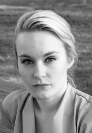 Author photo. Nova Gullberg Zetterstrand foto by Elin Zetterstrand