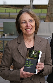 Author photo. By Krimidoedel - Own work, <a href=&quot;https://commons.wikimedia.org/w/index.php?curid=5405802&quot; rel=&quot;nofollow&quot; target=&quot;_top&quot;>https://commons.wikimedia.org/w/index.php?curid=5405802</a>
