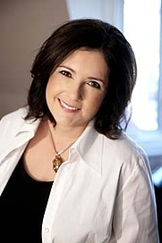 Author photo. <a href=&quot;http://www.leighevans.com/media/images/Leigh_Evans_web.jpg&quot; rel=&quot;nofollow&quot; target=&quot;_top&quot;>http://www.leighevans.com/media/images/Leigh_Evans_web.jpg</a>