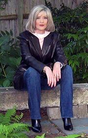 Author photo. Courtesy of Hank Phillippi Ryan