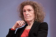 Author photo. Mireille Delmas-Marty au Salon du livre de Paris (2010) lors du débat De la justice... ou ce qui l'empêche. Source Wiki Commons