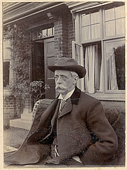 Author photo. Published courtesy of the Australian National University Library which holds the entire Giles Family Archive