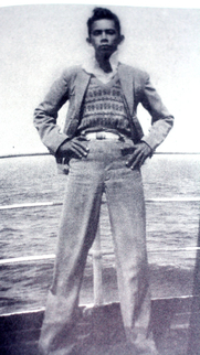 Author photo. Jan Boon (a.k.a. Vincent Mahieu and Tjalie Robinson) in 1930 on board a cruise ship to the Netherlands [credit: KARL RAN; taken from p.87 in biography: Tjalie Robinson, Biografie van een Indo-schrijver. Written by Wim Willems, published by Bert Bakker, 2008; copied from Wikipedia]