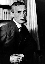 Author photo. Retrato del poeta y ensayista Hugo Ball. Fecha Fuente Fotografía anónima de 1916