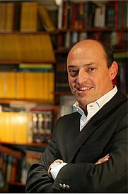 Author photo. <a href=&quot;http://www.ericfrattini.com/eric-frattini-biografia-italiano.html&quot; rel=&quot;nofollow&quot; target=&quot;_top&quot;>http://www.ericfrattini.com/eric-frattini-biografia-italiano.html</a>