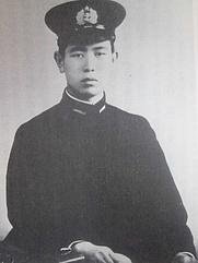 Author photo. Agawa Hiroyuki (1945)/By 阿川家 (『私の履歴書 第三の新人』) [Public domain], via Wikimedia Commons